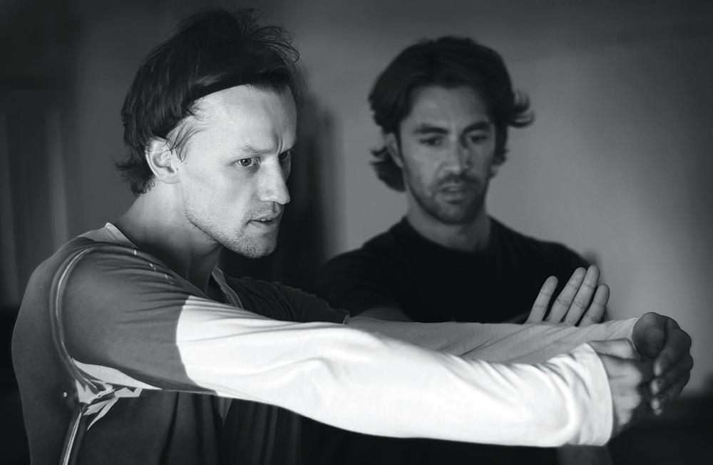 Денис Матвиенко с хореографом Эдвардом Клюгом на репетиции балета Radio and Juliet