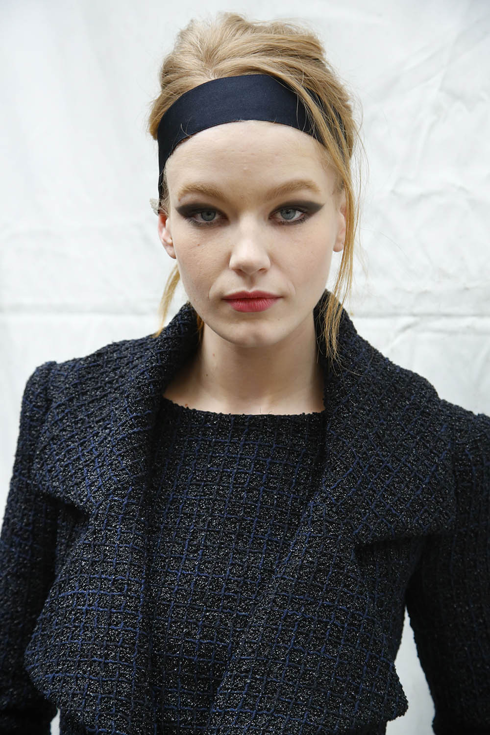 Chanel_Backstage_Ready_to_Wear_Fall_Winter_2015_16_Paris_March2015 PHOTO: EAST NEWS / ZEPPELIN