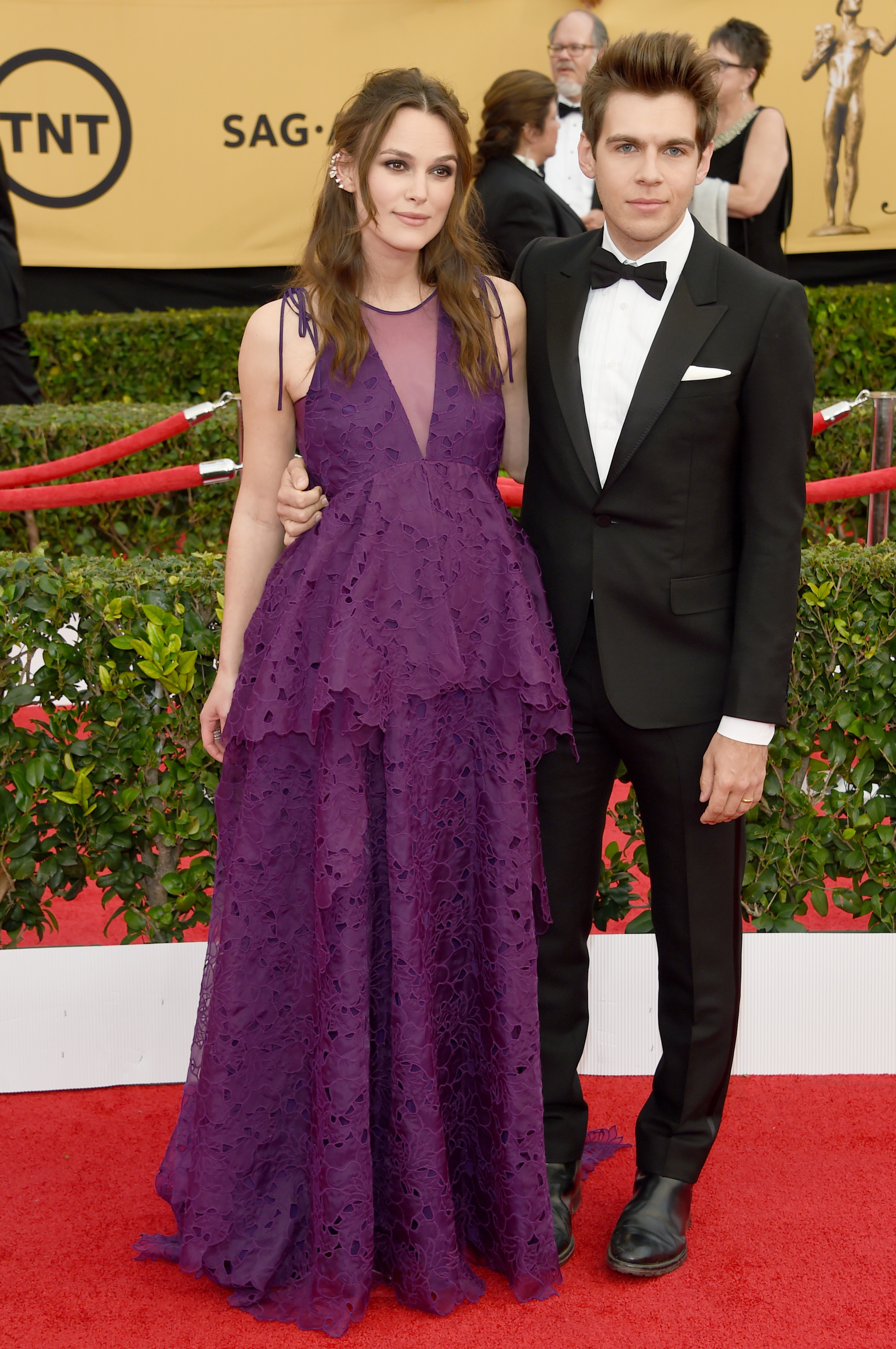 LOS ANGELES, CA - JANUARY 25: Actress Keira Knightley (L) and James Righton attend the 21st Annual Screen Actors Guild Awards at The Shrine Auditorium on January 25, 2015 in Los Angeles, California. (Photo by Ethan Miller/Getty Images)