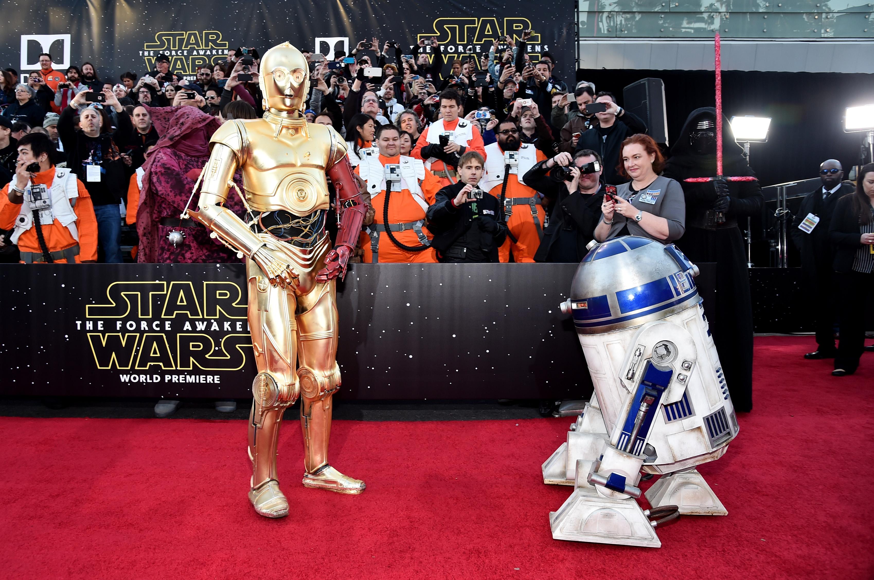 Роботы C-3PO и R2-D2