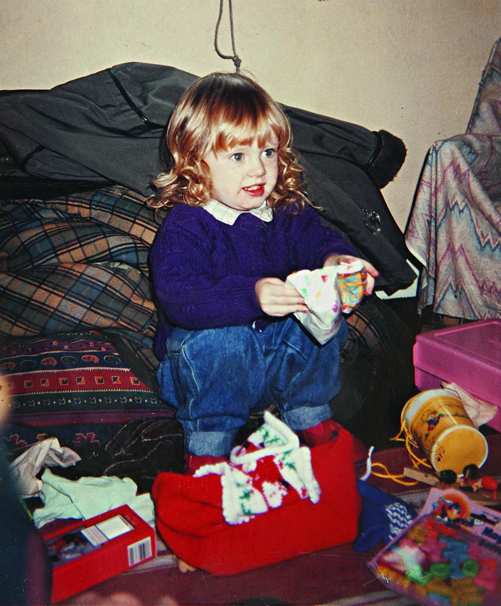 Четырехлетняя Адель Адкинс гостит на Рождество у отца, 1992 г.