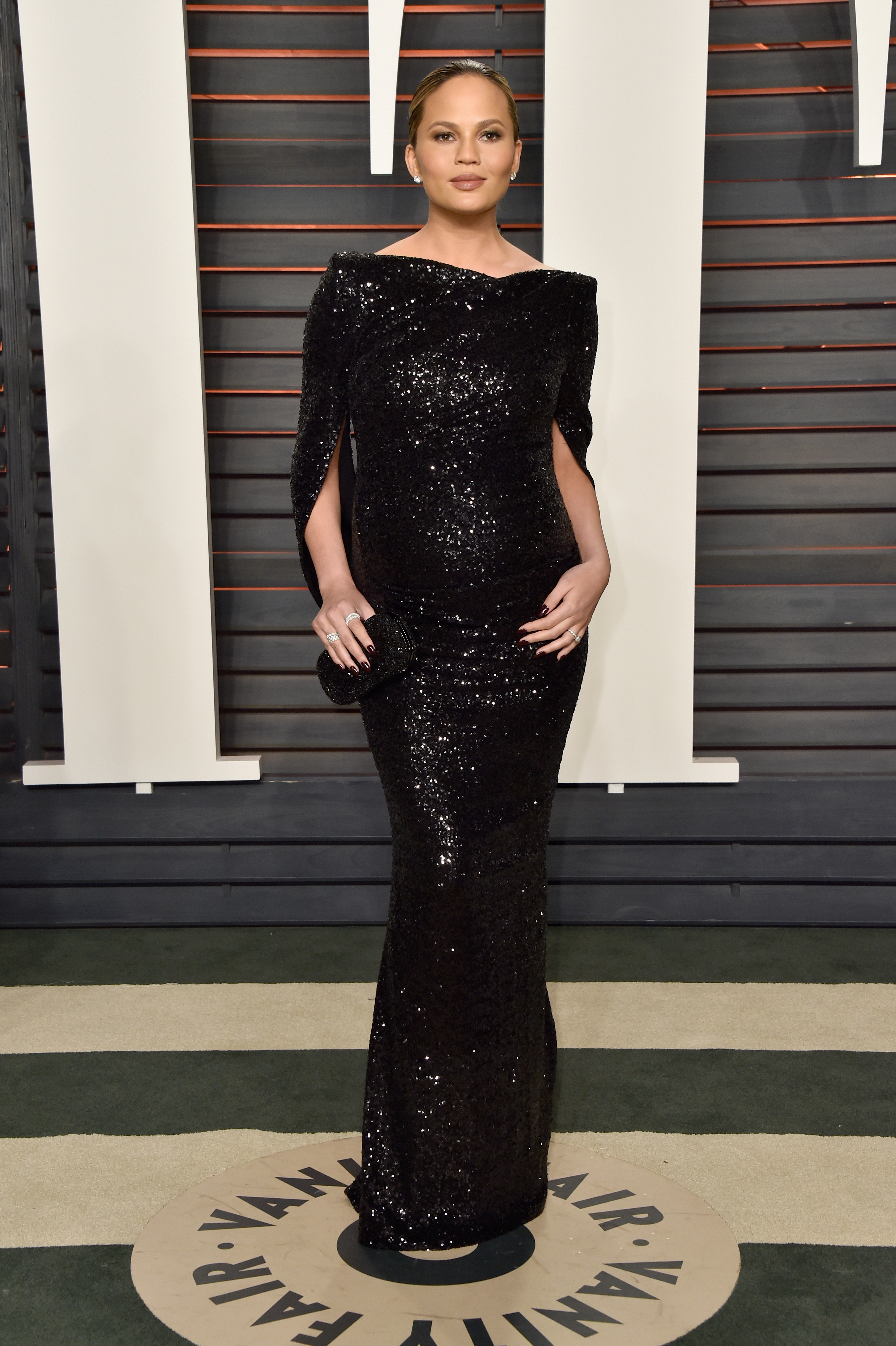 attends the 2016 Vanity Fair Oscar Party Hosted By Graydon Carter at the Wallis Annenberg Center for the Performing Arts on February 28, 2016 in Beverly Hills, California.