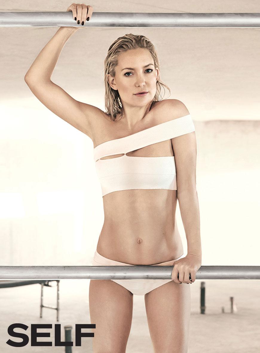 kate-hudson-pink-bikini-top