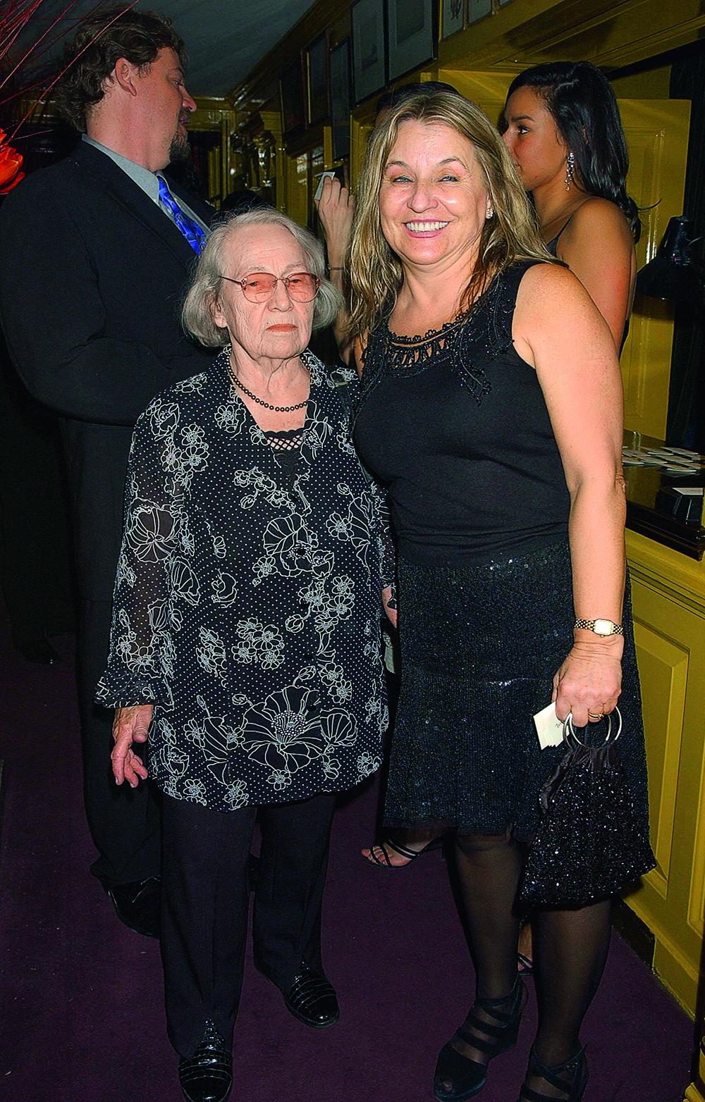 Мама и бабушка украинка Леонардо Ди Каприо