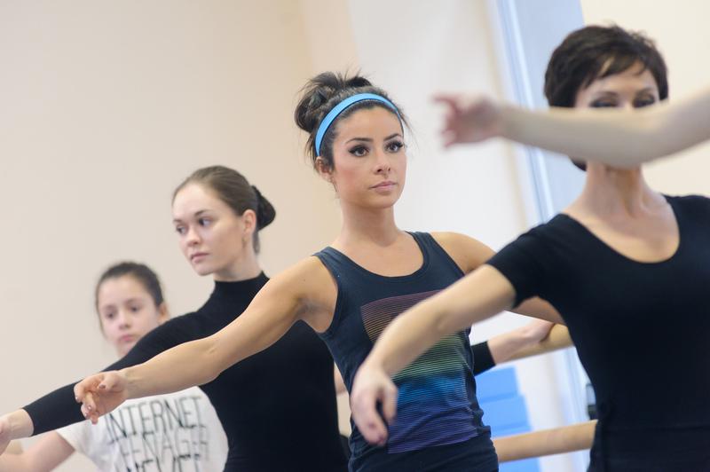 Злата Огневич занимается балетом
