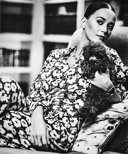 Кэти Перри с собакой