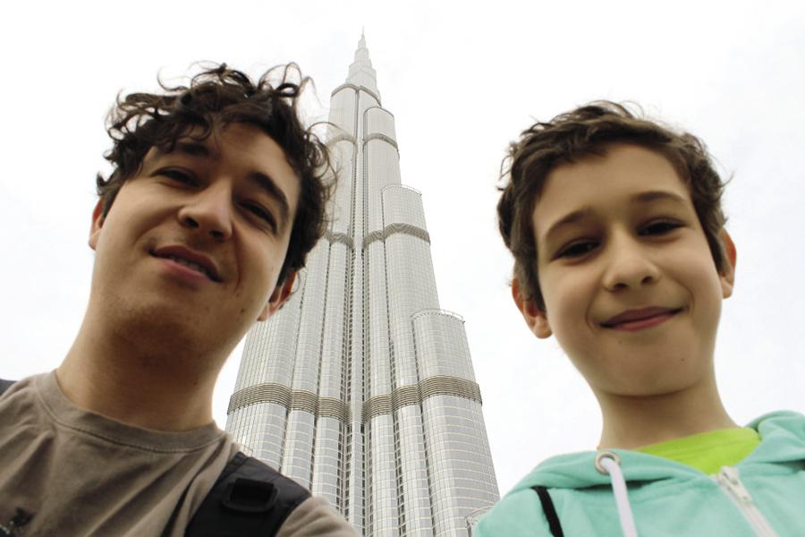 Дмитрий Шуров с сыном Львом в Дубае