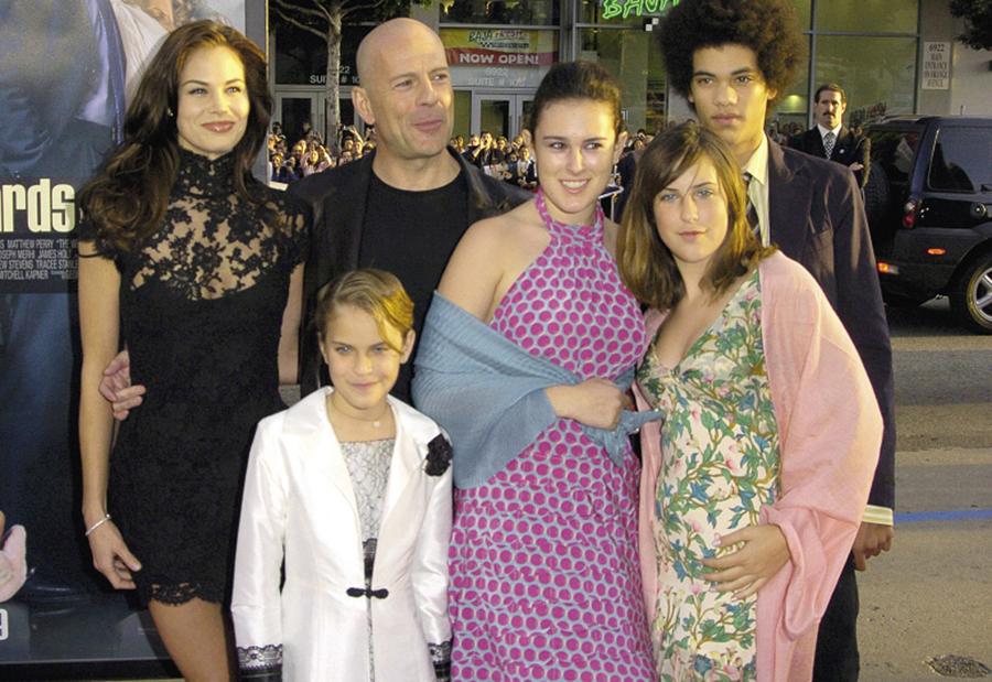 Брюс Уиллис и его дочки Таллула, Румер и Скаут