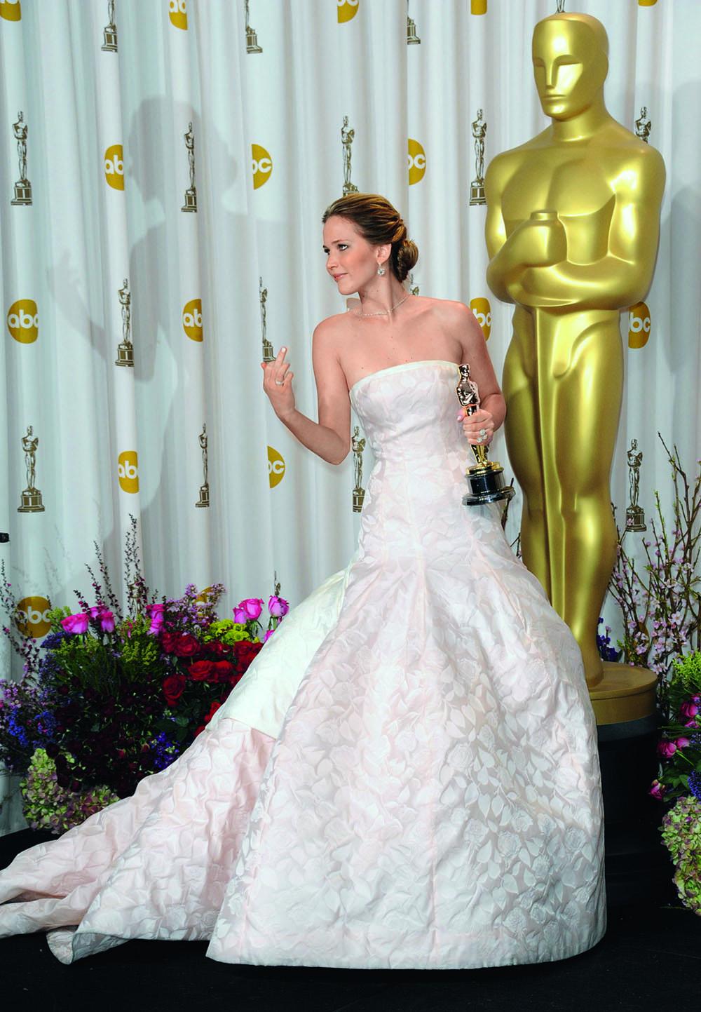 Дженнифер Лоуренс Оскар фото