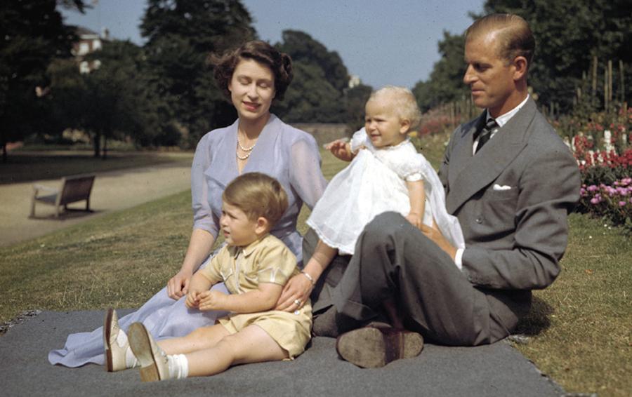 Королева Елизавета II, принц Филипп Чарльз и Анна