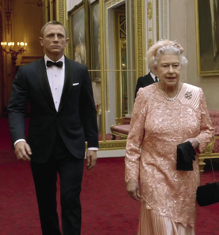 Королева Елизавета Дэниел Крэйг Олимпиада Лондон Джеймс Бонд