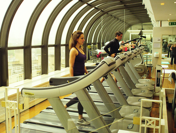 Jumeirah_Carlton_Tower_-_The_Peak_Health_Club
