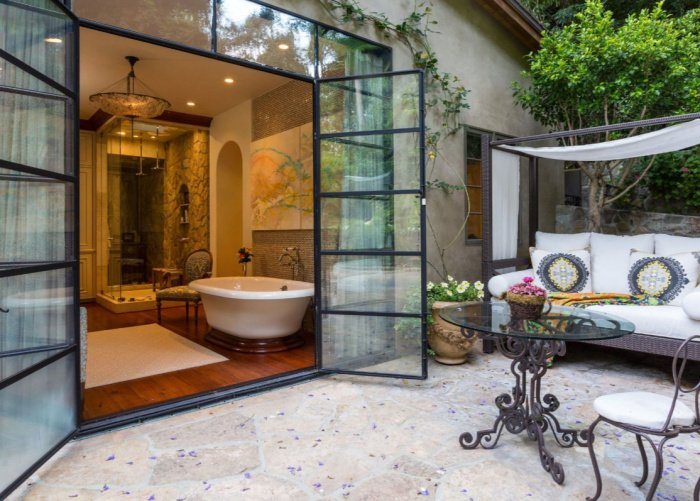 Jennifer-Lopez-Buys-40-Million-Bel-Air-Mansion (4)