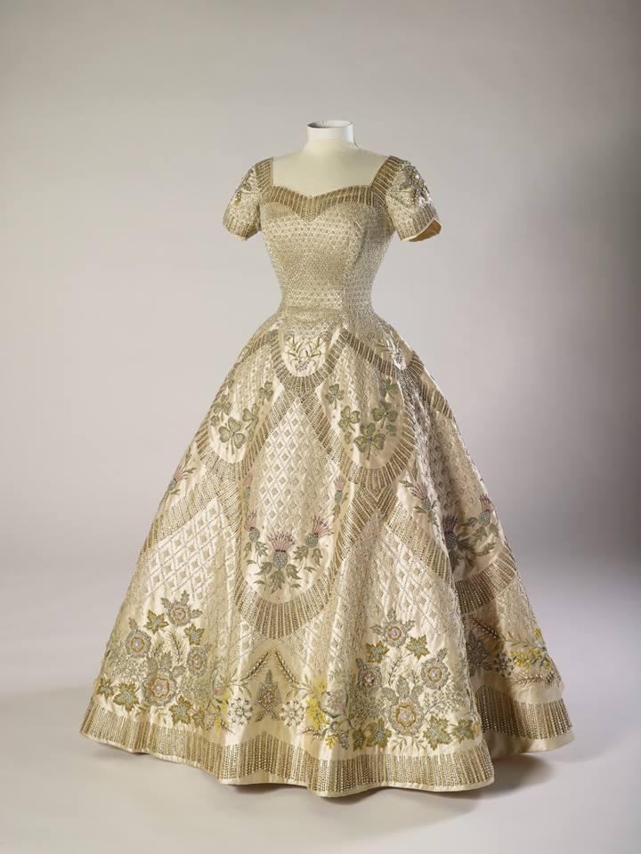 Коронационное платье Елизаветы II