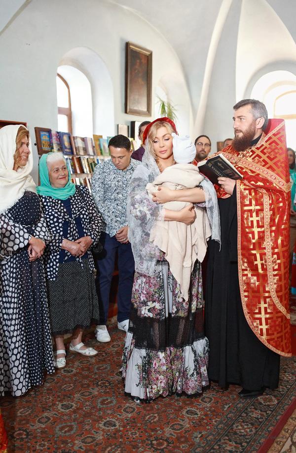 Ирина Билык с сыном Табризом