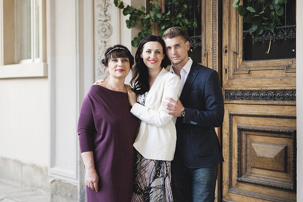 Соломия с мужем и мамой во Львове, 2015 г.