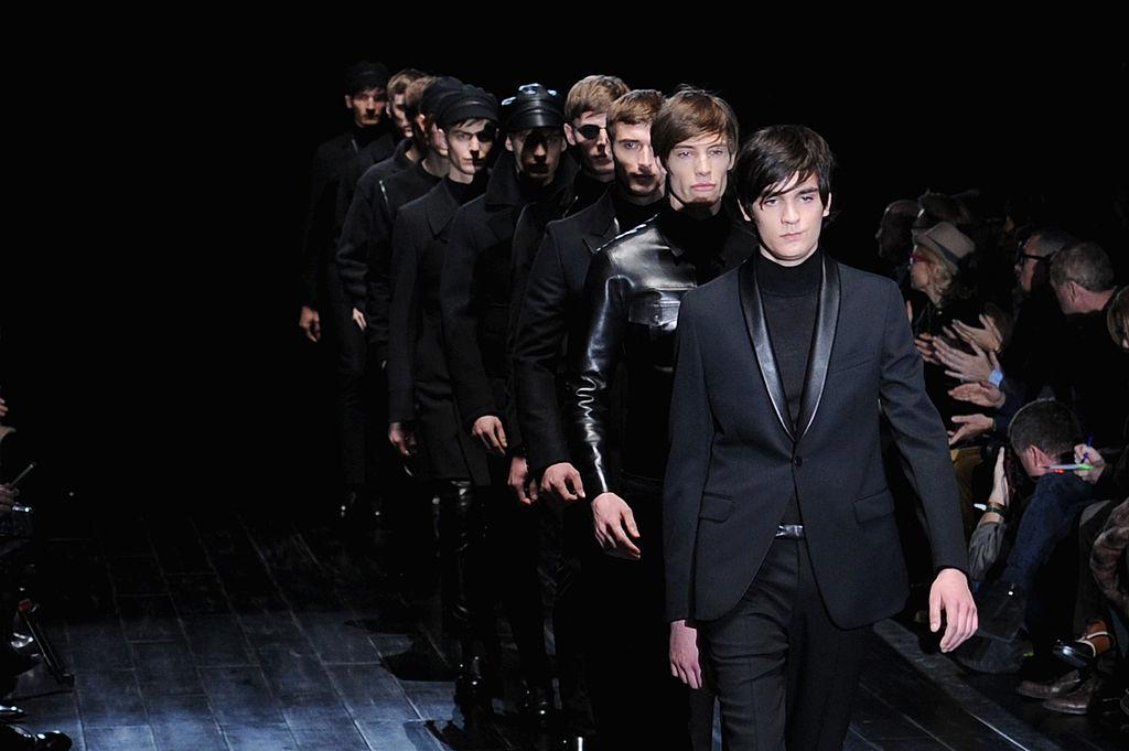 Ален-Фабьен Делон принял участие в показе мужской коллекции Gucci на Milan Fashion Week в 2014 году / Getty Images