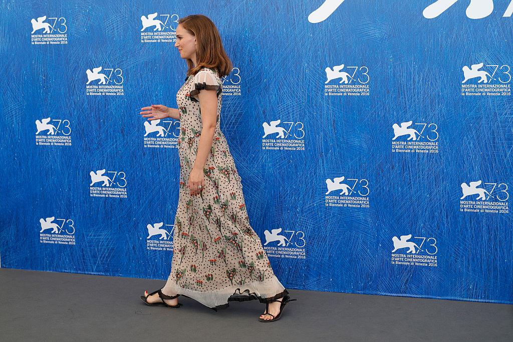 беременная Натали Портман на Венецианском кинофестивале