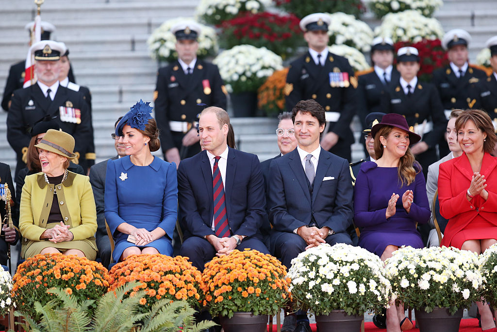 VICTORIA, BC - SEPTEMBER 24: Her Excellency Sharon Johnston, Catherine, Duchess of Cambridge, Prince William, Duke of Cambridge, Canadian Prime Minister Justin Trudeau and his wife Sophie Gregoire-Trudeau and Premier of British Columbia Christy Clark attend the Official Welcome Ceremony for the Royal Tour at the British Columbia Legislature on September 24, 2016 in Victoria, Canada. Prince William, Duke of Cambridge, Catherine, Duchess of Cambridge, Prince George and Princess Charlotte are visiting Canada as part of an eight day visit to the country taking in areas such as Bella Bella, Whitehorse and Kelowna. (Photo by Chris Jackson/Getty Images)