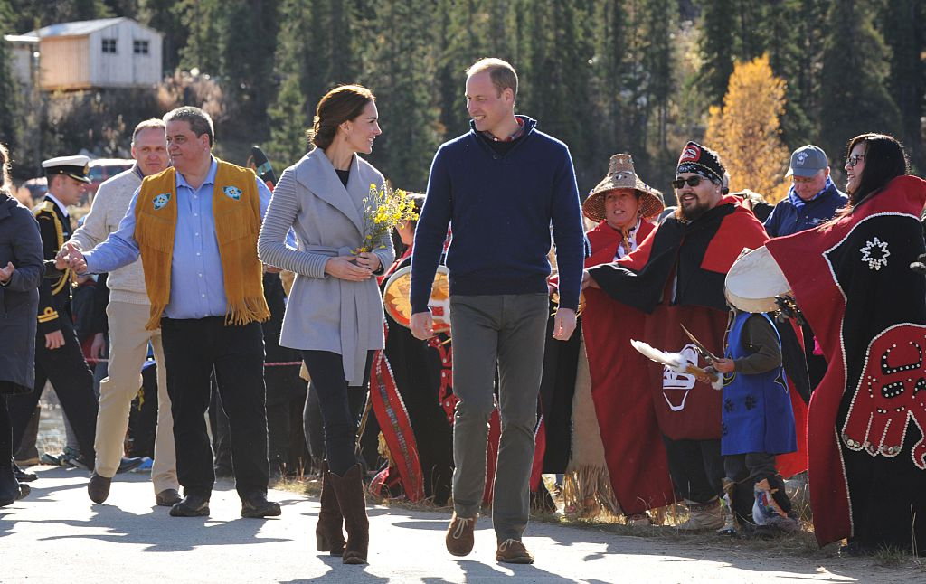 CARCROSS, BC - SEPTEMBER 28: Catherine, Duchess of Cambridge and Prince William, Duke of Cambridge visit Carcross during the Royal Tour of Canada on September 28, 2016 in Carcross, Canada. Prince William, Duke of Cambridge, Catherine, Duchess of Cambridge, Prince George and Princess Charlotte are visiting Canada as part of an eight day visit to the country taking in areas such as Bella Bella, Whitehorse and Kelowna (Photo by Mark Large - Pool/Getty Images)