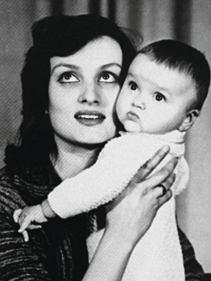 Оля Полякова детские фото
