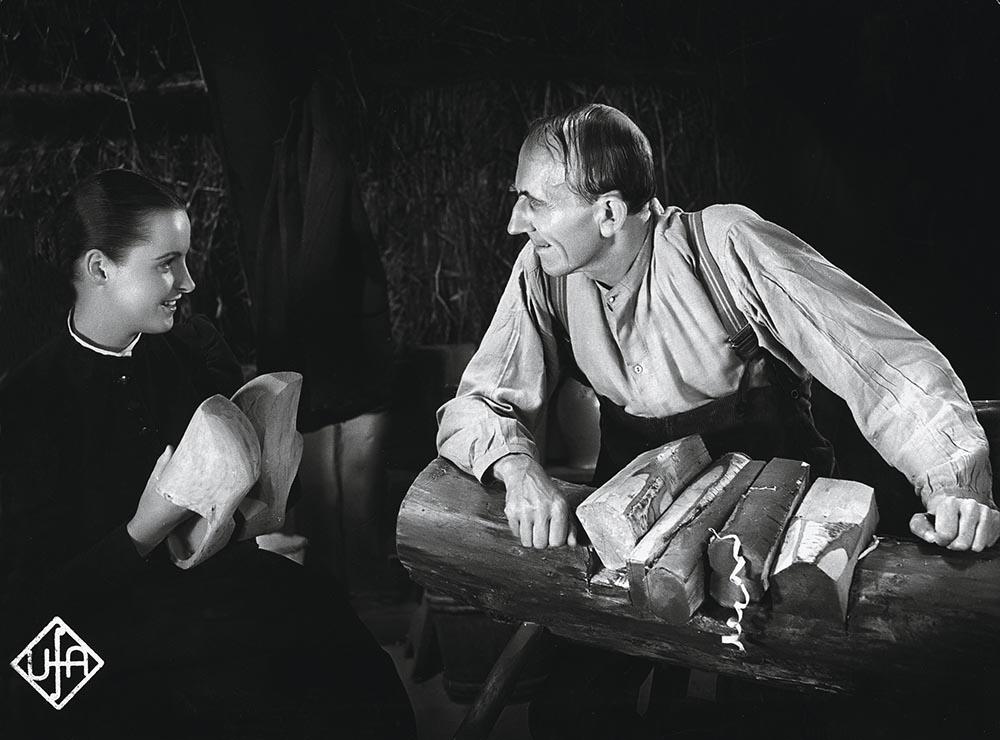 Film / Einzeltitel: УDas Mдdchen vom MoorhofФ (Deutschland 1935; Regie: Detlef Sierck; nach der Novelle von Selma Lagerlцf). Szene mit Hansi Knoteck und Franz Stein.