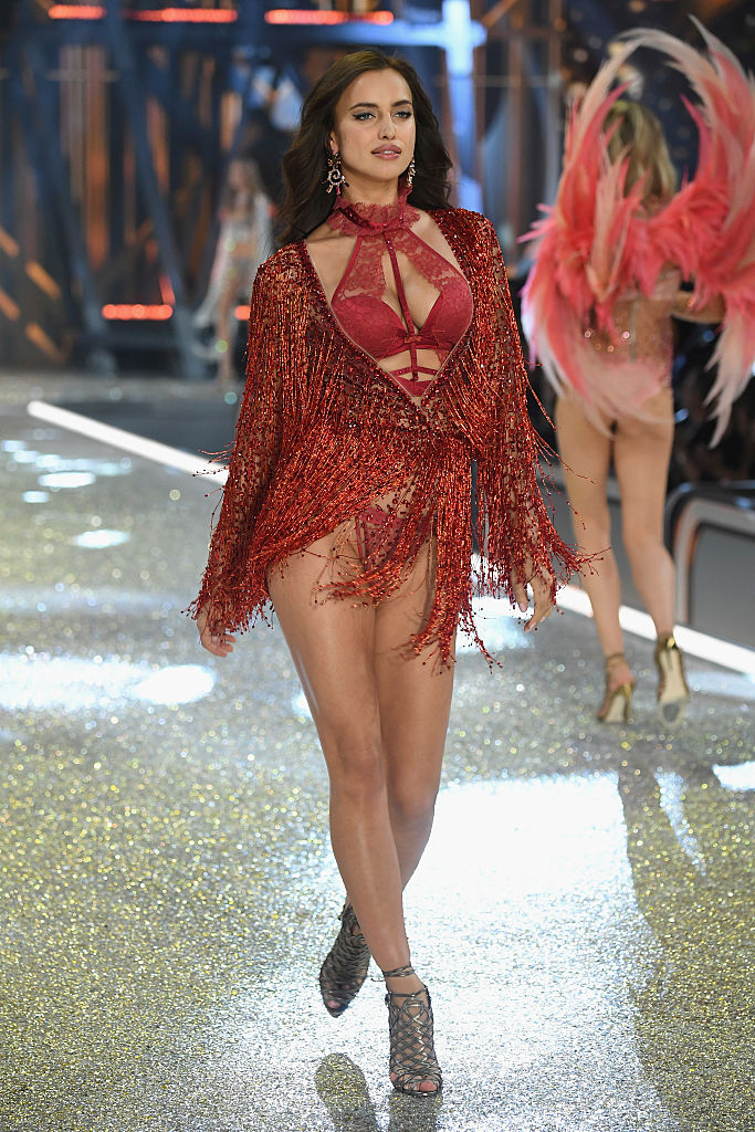 601f2057961d6 PARIS, FRANCE - NOVEMBER 30: Irina Shayk walks the runway at the Victoria's  Secret