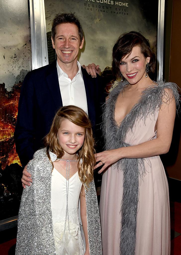 Милла Йовович с мужем и дочерью Эвер