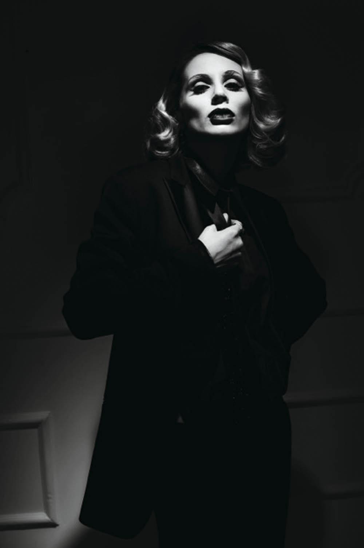 Светлана Лобода в образе Марлен Дитрих
