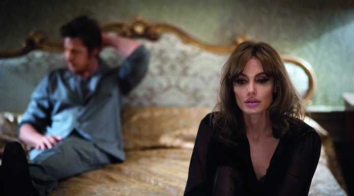 анджелина джоли брэд питт любовь брак развод скандал
