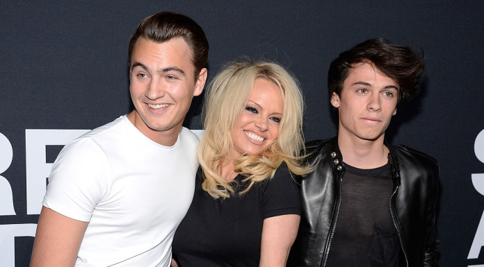 Памела Андерсон с сыновьями