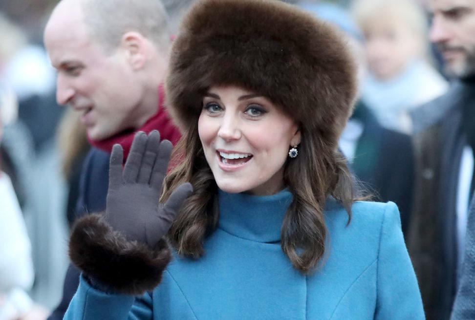 Кейт Миддлтон возвращает моду на меховые шапки - Караван 06f6967f0a1c9