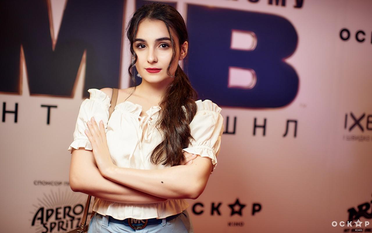 Анна Тринчер