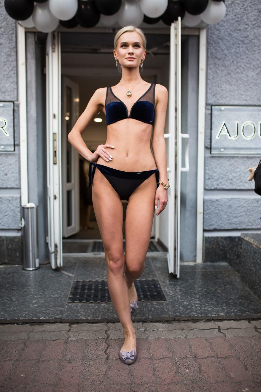 45cd9533bd9a0 Неповторимый образ моделей создали мастера-феи из «Мастерской красоты JK». Тем  самым завершив образ летней грации ...
