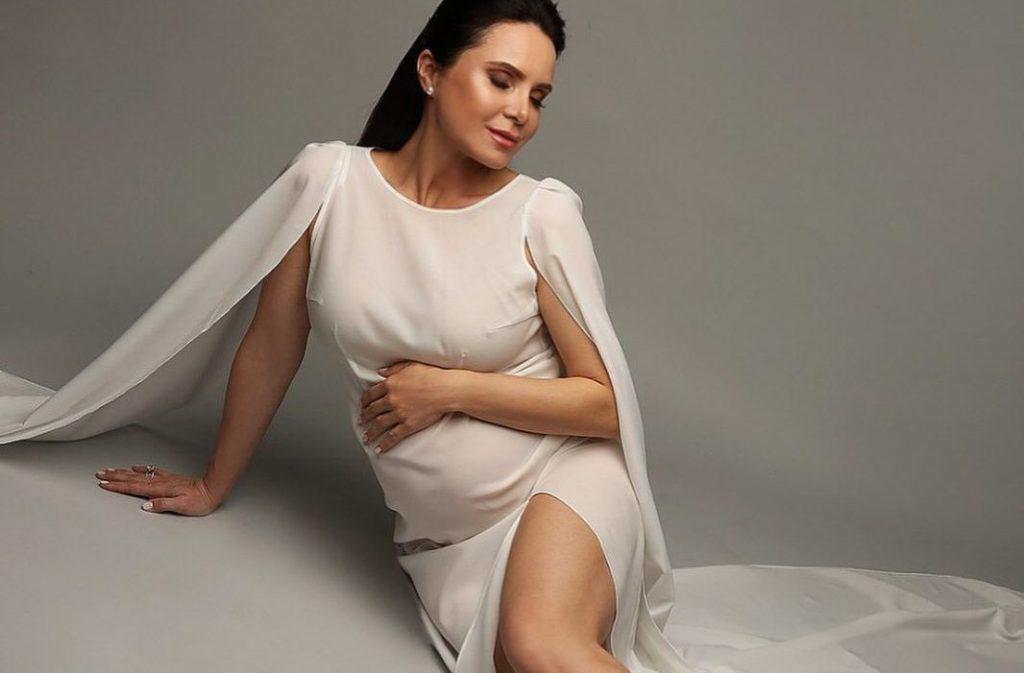 Беременная Лилия Подкопаева
