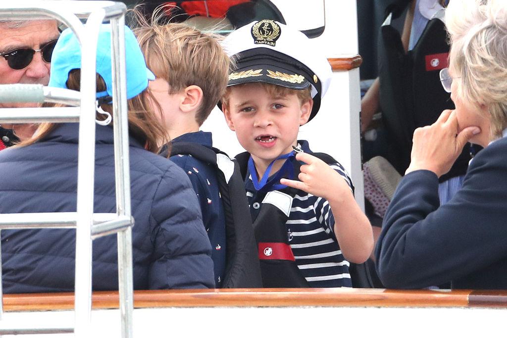 Принц Джордж без зубов