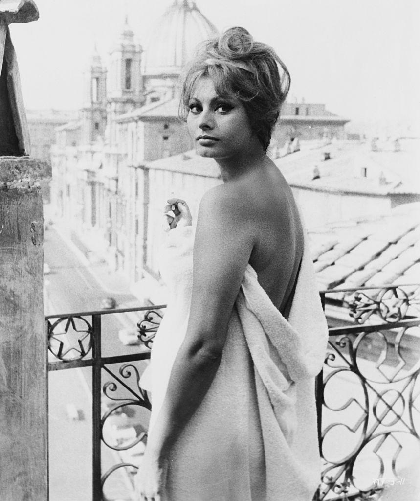 В фильме «Вчера, сегодня, завтра», 1963 год