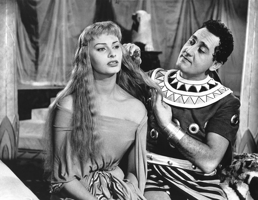 «Две ночи с Клеопатрой», 1954 год