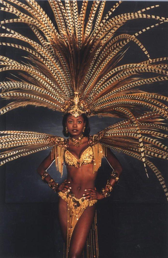 Национальный костюм Мисс Вселенной-1998
