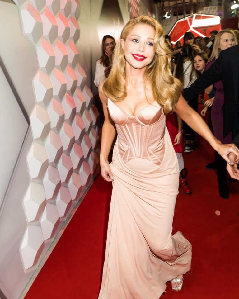 Тина Кароль в Versace