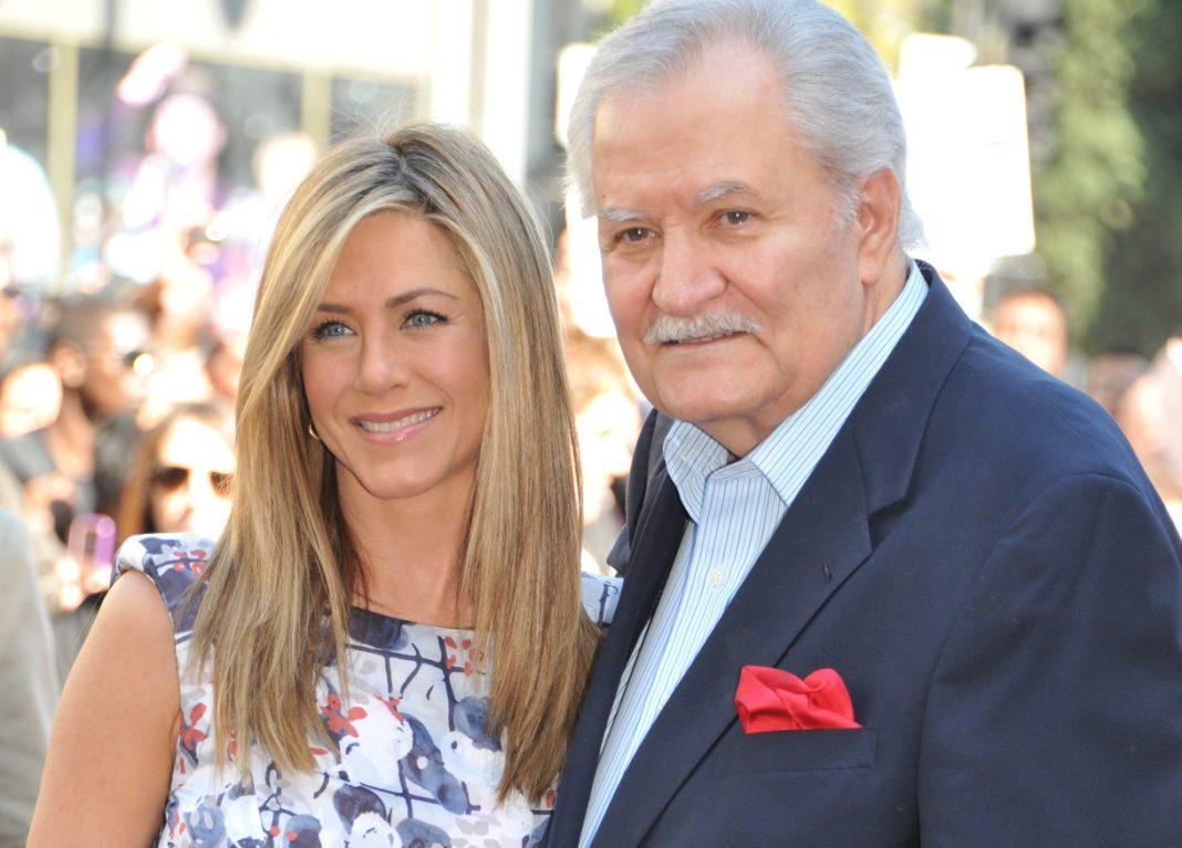 Дженнифер Энистон с отцом