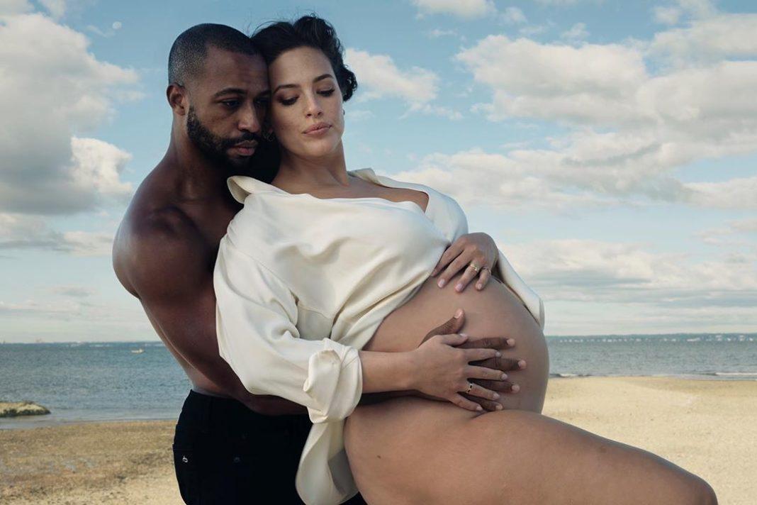 Эшли Грэм с мужем для Vogue