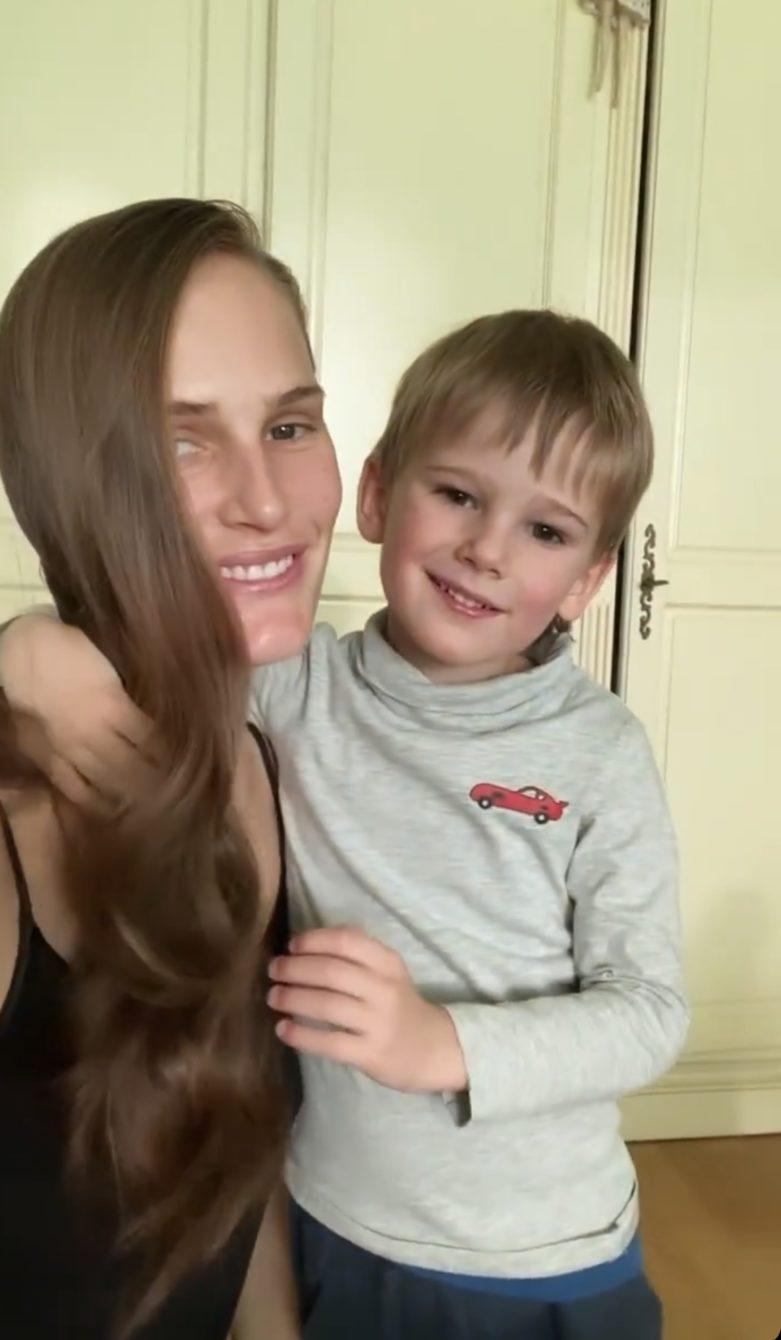 Алла Костромичева с сыном Сальваторе