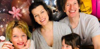 Милла Йовович с мужем и детьми