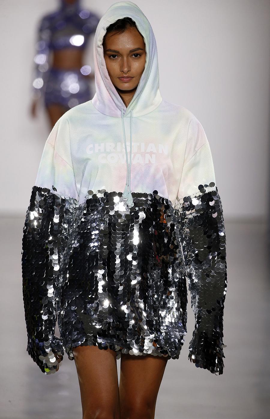 дождевик пайетки мода лето 2020