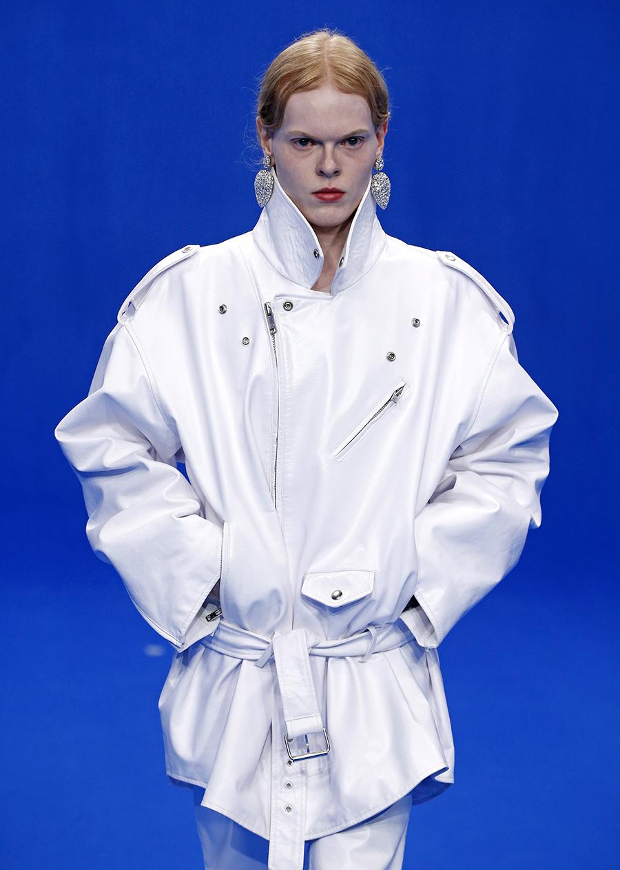 кожаная куртка модная