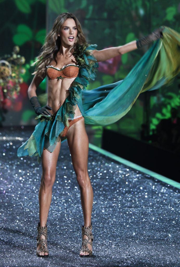 "модель ""Ангел"" Victoria's Secret Алессандра Амбросио"