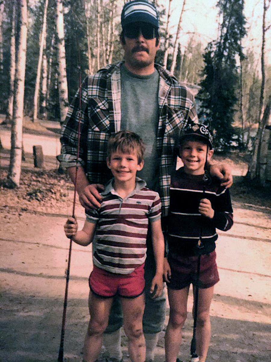 Крис Пратт в детстве детское фото отец брат