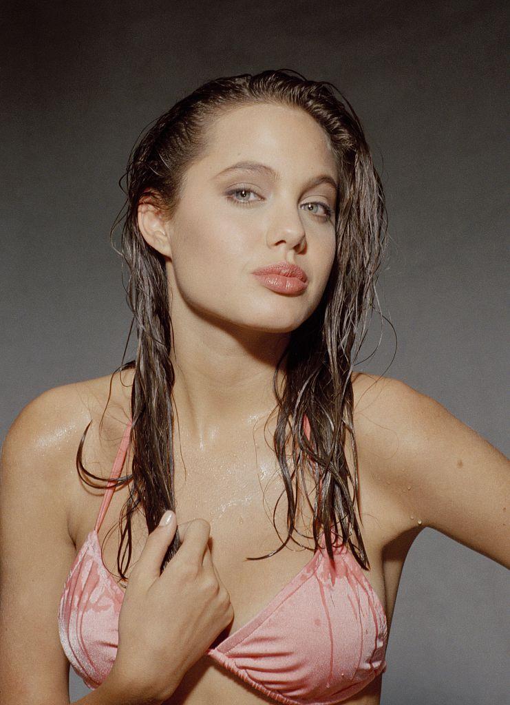 молодая Анджелина Джоли в молодости