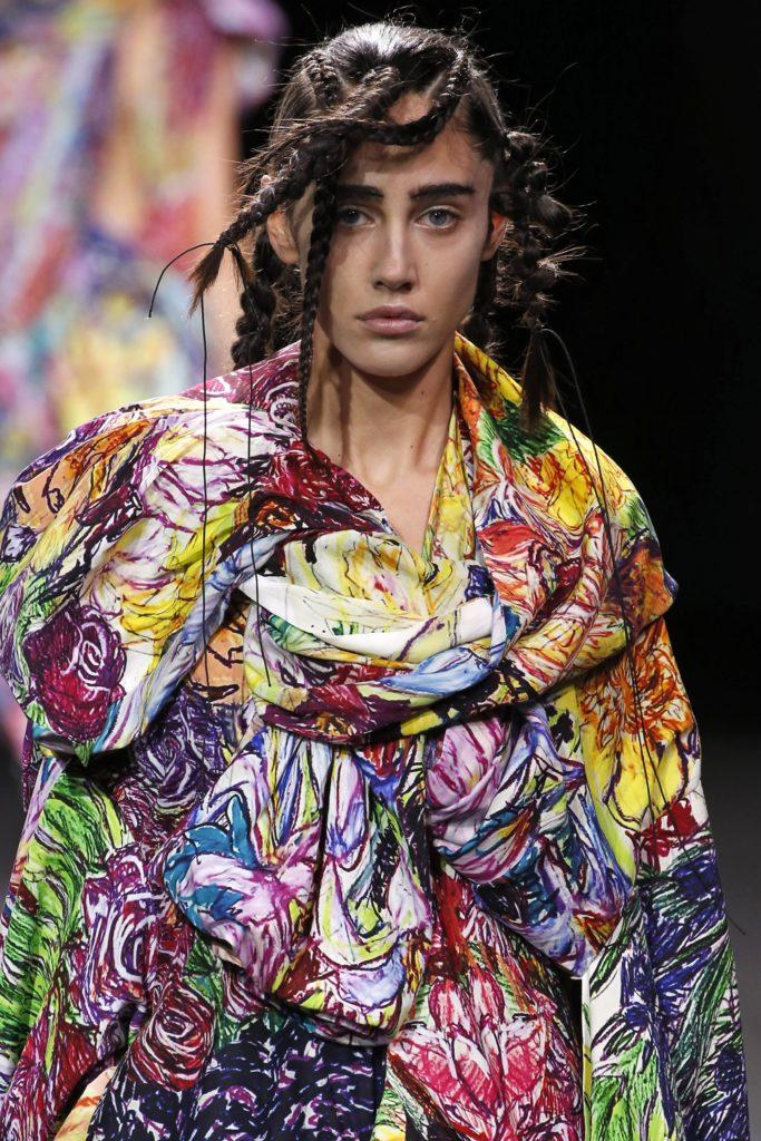 модная прическа 2020